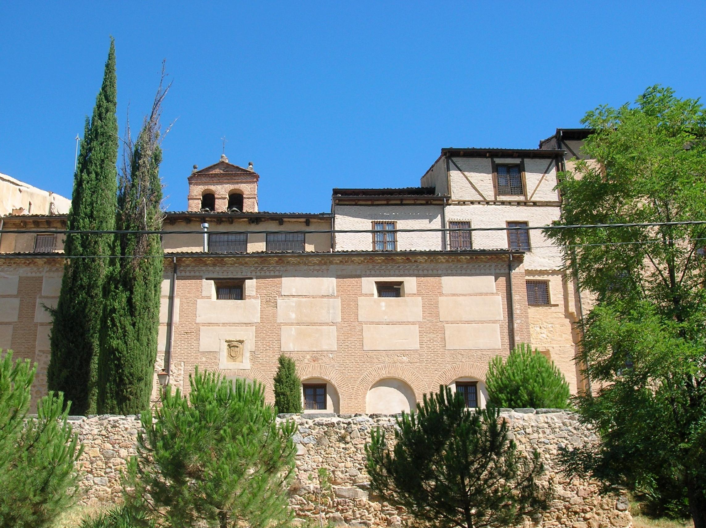 Segovia_-_Monasterio_de_San_Vicente_el_Real_01